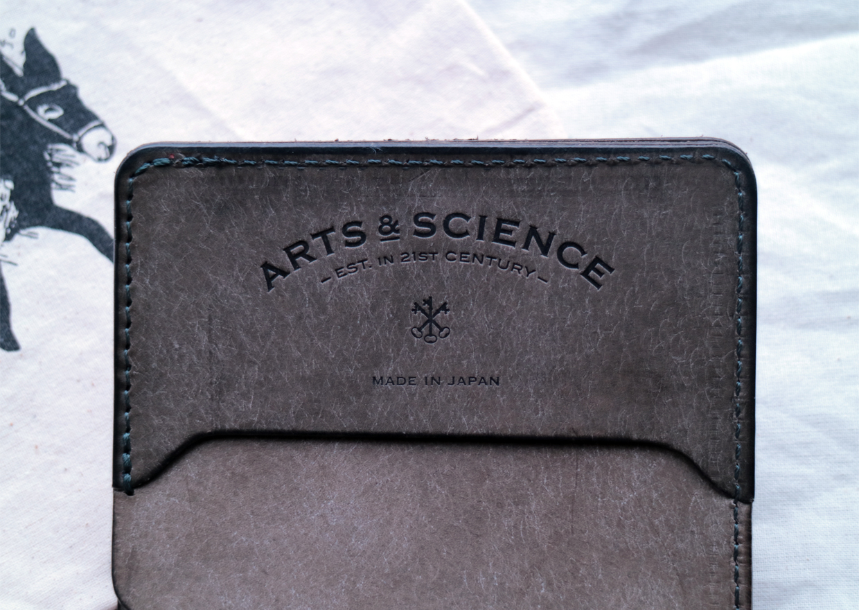 artsandscience-wallet-1601-04