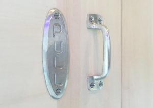 GALLUPの真鍮製シルバーメッキの取手を買いました